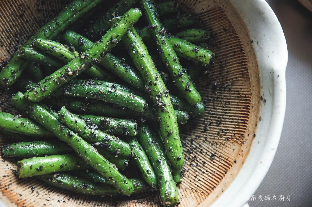 日式小菜:芝麻醬拌敏豆